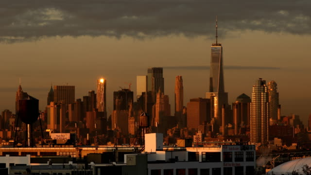 downtown manhattan sunrise view - lockdown viewpoint stock videos & royalty-free footage