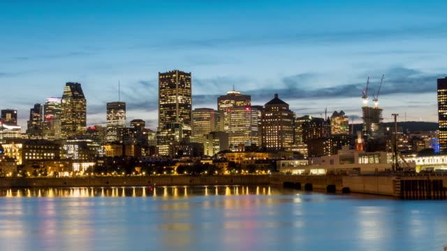 skyline von downtown montreal bei sonnenuntergang in kanada - sankt lorenz strom stock-videos und b-roll-filmmaterial