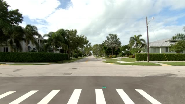 downtown naples xxiv synced series front view driving process plate - naples florida stock videos & royalty-free footage