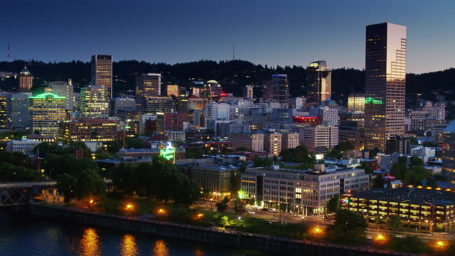 downtown portland at nightfall - aerial - portland oregon sunset stock videos & royalty-free footage
