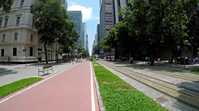 リオデジャネイロのダウンタウン - dolly shot点の映像素材/bロール