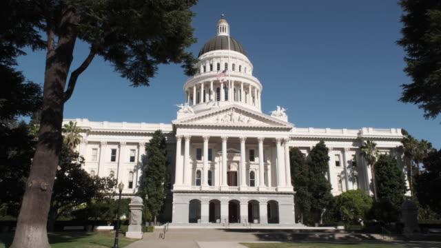 downtown sacramento california capitol dome building - congress stock videos & royalty-free footage