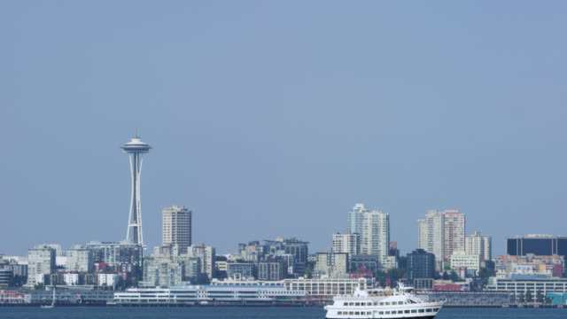 stockvideo's en b-roll-footage met downtown seattle van over de sound-color graded - noordelijke grote oceaan