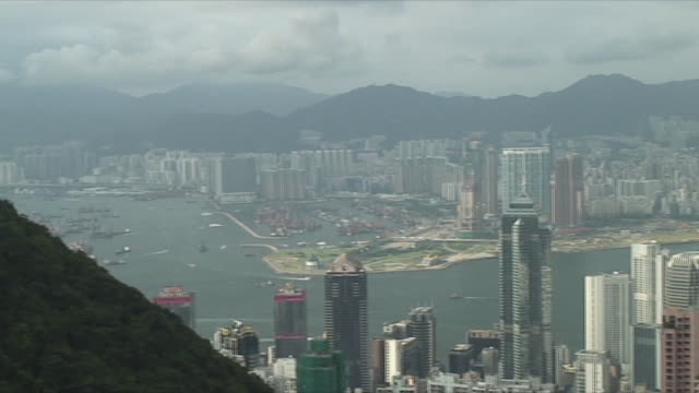 stockvideo's en b-roll-footage met ws ha pan downtown skyscrapers, hong kong, china - hong kong