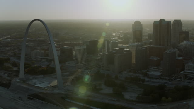 downtown st louis and gateway arch - missouri stock videos & royalty-free footage