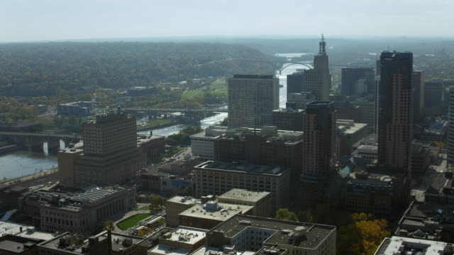 downtown st paul and mississippi river - saint paul stock-videos und b-roll-filmmaterial