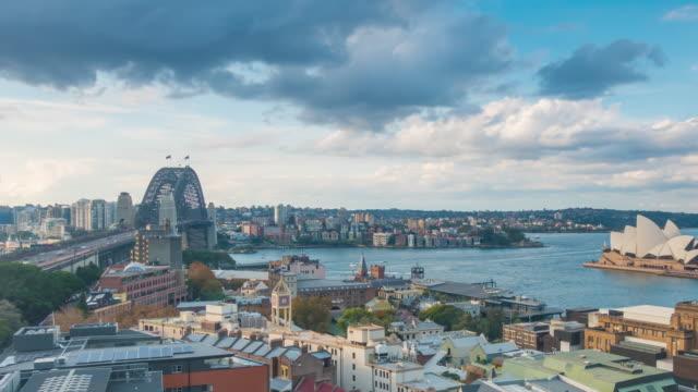 vídeos de stock e filmes b-roll de downtown sydney skyline in australia from top view - norte
