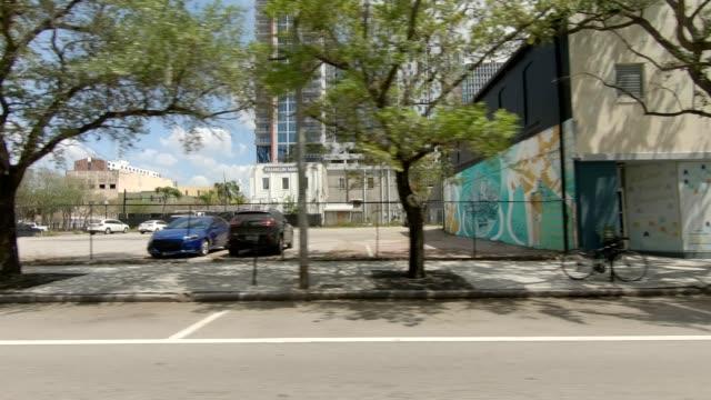 downtown tampa xix synced series left view driving process plate - guardare il paesaggio video stock e b–roll