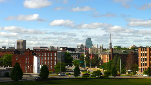 innenstadt von worcester, massachusetts - massachusetts stock-videos und b-roll-filmmaterial