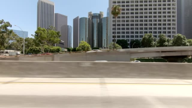 la downtown xxxiii synced series left view driving process plate - lockdown viewpoint stock videos & royalty-free footage
