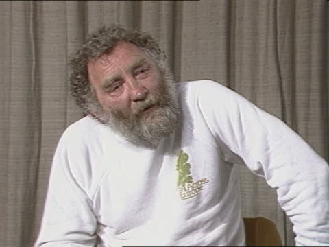 """dr david bellamy interview:; england: lap: int cms dr david bellamy intvw sof - """"celery-top pine -- why can i expect anyone else to."""" cas ex eng... - itv news at one stock videos & royalty-free footage"""