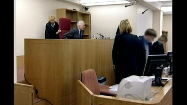 stockvideo's en b-roll-footage met dr david kelly post mortem released; c20050402 london: lord hutton, who chaired the inquiry into the death of dr david kelly, taking seat before... - voorzitter