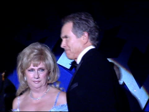 dr donald morton gloria gebbia and warren beatty at the 15th annual associates for breast cancer and prostate cancer studies 'winter wonderland' gala... - beverly beatty stock videos & royalty-free footage
