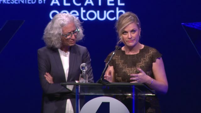 performance dr jane aronson and amy poehler at the 2nd annual unite4humanity presented by alcatel onetouch on february 19 2015 in beverly hills... - オスカーパーティー点の映像素材/bロール