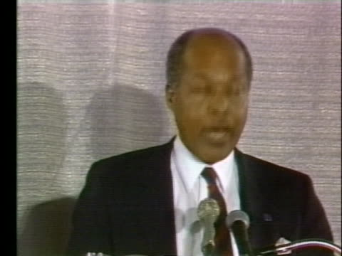 dr. louis sullivan criticizes food labeling practices in the marketplace. - healthcare and medicine or illness or food and drink or fitness or exercise or wellbeing stock videos & royalty-free footage