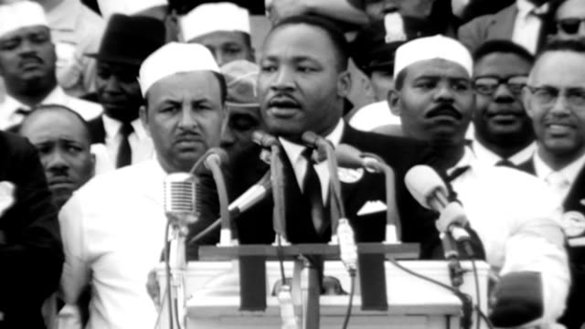 vídeos de stock e filmes b-roll de dr martin luther king jr is introduced to deliver his i have a dream speech during the civil rights march on washington / mlk starts his speech... - 1963