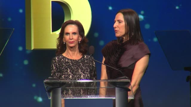 """vídeos y material grabado en eventos de stock de dr. nancy glaser and vicky goodman on the importance of the event at the ucla semel institutes """"open mind gala"""" at the beverly hilton hotel on march... - the beverly hilton hotel"""