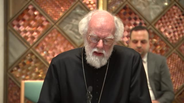stockvideo's en b-roll-footage met dr rowan williams speech and interview dr rowan willams speech sot re refugee crisis scale of problem need to relax family reunion policy that allows... - former