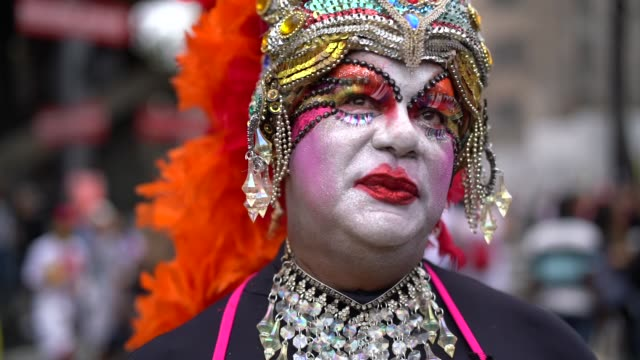 stockvideo's en b-roll-footage met portret van drag-queen - individualiteit