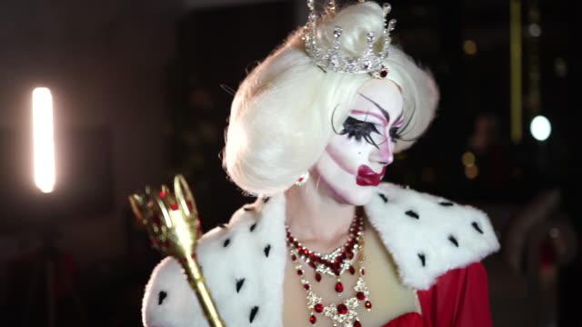 vidéos et rushes de drag-queen - sortir du lot