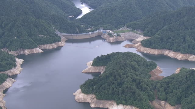 aerial, drained yagisawa dam, gunma, japan - depth marker stock videos & royalty-free footage