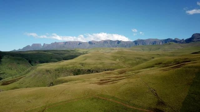 drakensberg mountains, kwazulu-natal - kwazulu natal stock videos & royalty-free footage