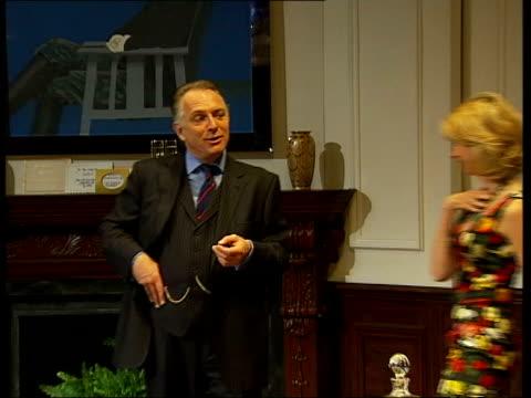 'the new statesman' starring rik mayall; england: int rik mayall performing in stage version of 'the new statesman' - rik mayall bildbanksvideor och videomaterial från bakom kulisserna