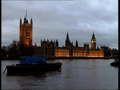 dramatic cabinet reshuffle after local election losses westminster houses of parliament as seen from lambeth bridge - lambeth stock-videos und b-roll-filmmaterial