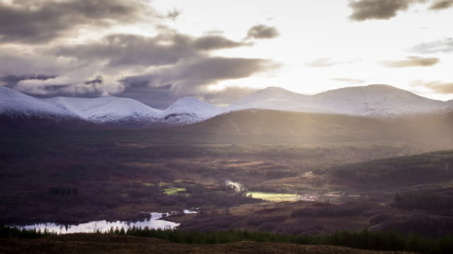 dramatic cloudscape over the great glen, scotland - time lapse - schottisches hochland stock-videos und b-roll-filmmaterial