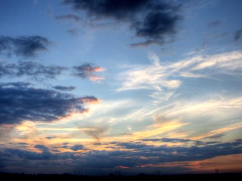 ntsc :(クリーン)劇的な空 - ロマンチックな空点の映像素材/bロール