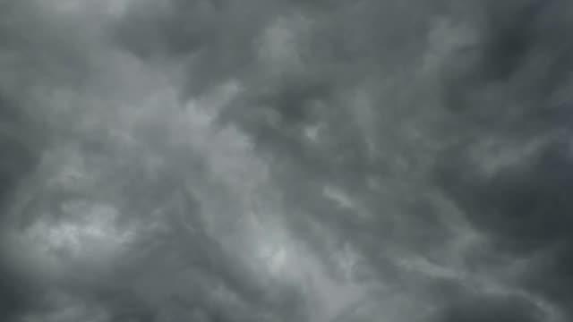 Dramatische storm wolken
