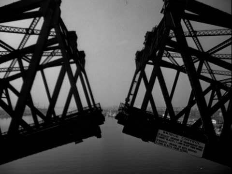 vidéos et rushes de drawbridge opens - pont