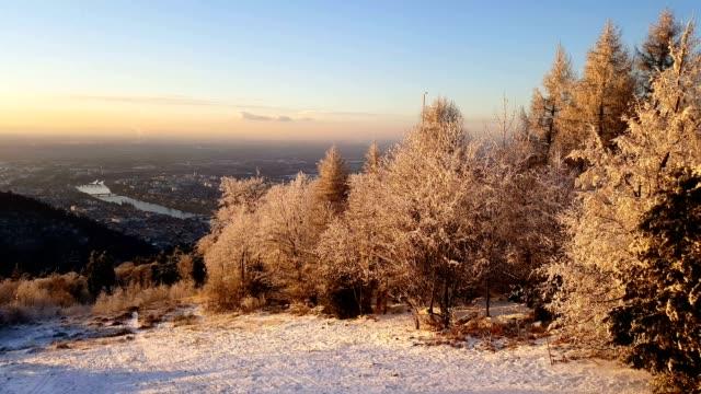 dreamy german winter sunset - ハイデルベルク点の映像素材/bロール