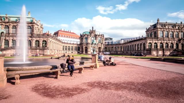 stockvideo's en b-roll-footage met dresden zwinger palace hyperlapse - west europa