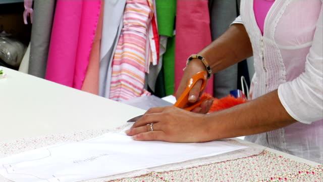 dressmaker - ファッションデザイナー点の映像素材/bロール