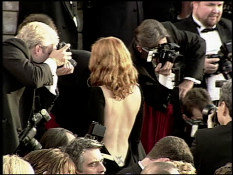 drew barrymore at the 2000 academy awards at the shrine auditorium in los angeles, california on march 26, 2000. - 第72回アカデミー賞点の映像素材/bロール
