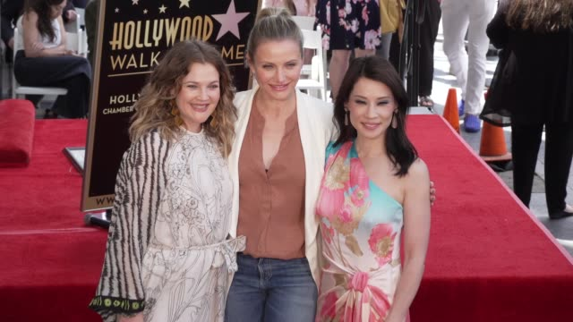 drew barrymore cameron diaz and lucy liu at the lucy liu honored with a star on the hollywood walk of fame on may 01 2019 in hollywood california - drew barrymore stock-videos und b-roll-filmmaterial