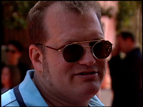 vídeos de stock, filmes e b-roll de drew carey at the 'star wars - the phantom menace' premiere on may 16, 1999. - série de filmes star wars