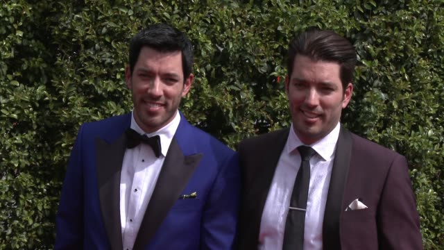 drew scott and jonathan scott at the 2015 creative arts emmy awards at microsoft theater on september 12 2015 in los angeles california - emmy awards stock-videos und b-roll-filmmaterial