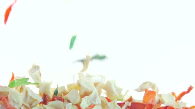 vídeos de stock, filmes e b-roll de legumes secos - aipo