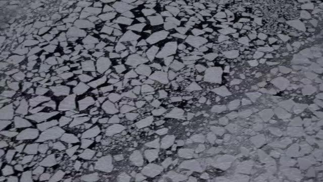 vídeos de stock, filmes e b-roll de aerial, drift ice in the sea of okhotsk, hokkaido, japan - grupo grande de objetos