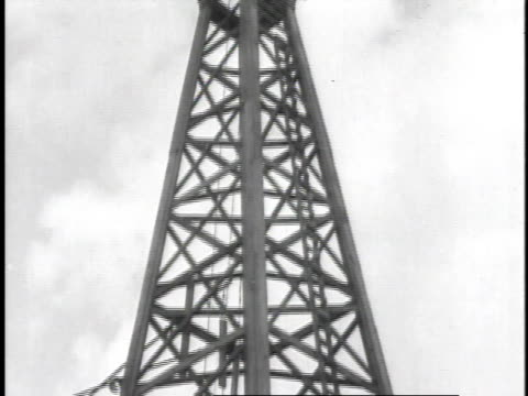 1923 td drilling rig / united states - oil industry stock videos & royalty-free footage