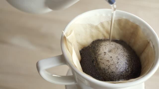 drip coffee - ausgusstülle stock-videos und b-roll-filmmaterial