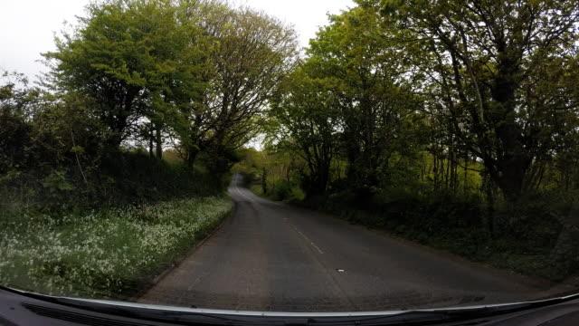 a drive through the english countryside. - ペンザンス点の映像素材/bロール