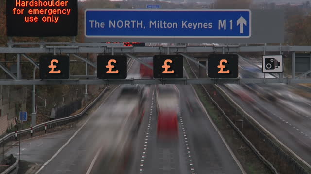 drivers have reacted in anger tonight after a police chief revealed speed cameras on the busiest part of the m1 motorway could be switched on... - major road bildbanksvideor och videomaterial från bakom kulisserna