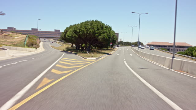 drivers POV - part-11: city highway in Cape Town - no recognisable number plates