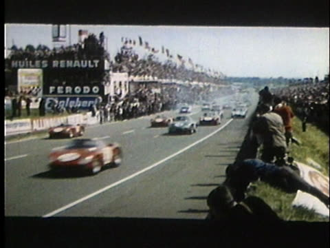 drivers run to their cars and start / cars racing on le mans track - 1966 stock-videos und b-roll-filmmaterial
