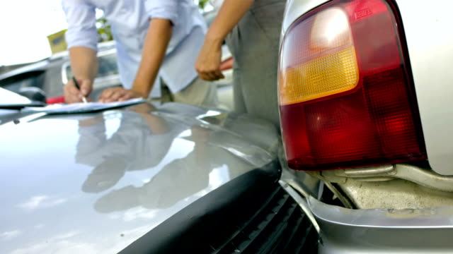 MS Drivers Signing The Accident Report