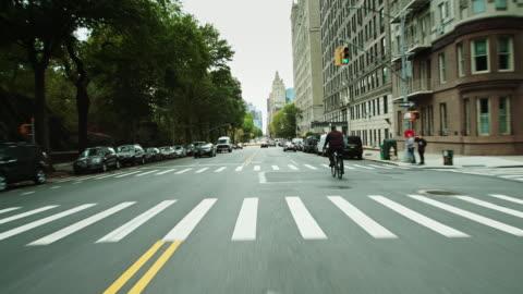 vídeos y material grabado en eventos de stock de drivers pov - south on central park west, manhattan - new york city