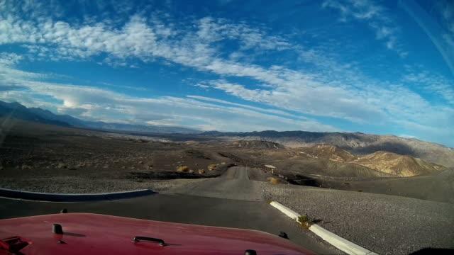 vídeos y material grabado en eventos de stock de driving and hiking in death valley - parque nacional death valley